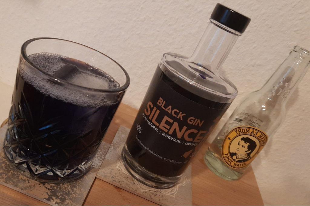 Glory of Silence Black Gin Tonic